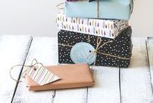 Earthlife.nl * Cadeau verpak ideeën / Een bord voor wanneer u een cadeau speciaal wilt inpakken. Bijvoorbeeld met bijzondere vouwtechnieken of naamkaarten.