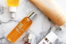 Beauty Products / From skincare to hair care to bathbombs, we all love m!