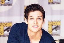 Daniel Sharman / So tall, so gorgeus