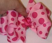 Hair Bows! Hair Bows! Hair Bows! / Cute hairbows for little girls, toddlers, teens, cheerleaders, and more.  How to make (DIY) baby hair bows, boutique bows and more.