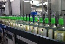 Wie kommt der Schlükk in die Flasche? / Fotos von der aktuellen Füllung unser leckeren Schlükk Weinschorle