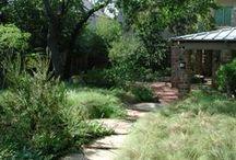David Rolston English Texas garden / the look of an english garden in Texas