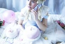 """Let them have iPhone cases"" / Marie Antoinette lists cakes and Shell'Oh! cases to her favorite things in the world ♛"