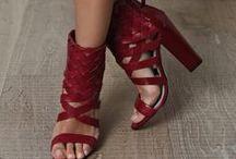 Legs ◉ Feet ◉ Shoes