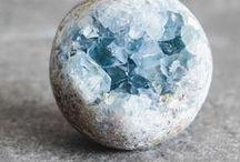 Crystals and Crystal Healing Grid