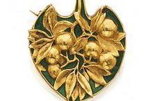 Jewel & art (Šperky, umění)