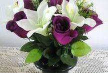 Flower arrangements / Flowers