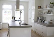 Kitchen ideas / Keukens: beton, hout en licht!
