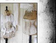 ................ La Femme .............. / Linge de Femme . Corset .  Mannequins . Bustes..