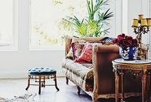 BOHO INTERIOR / Bohemian, Mixed Colour, Eastern Interior, Moroccan, Patterns, Chic, Random, Busy, Art, Free, Paintings, Pillows, Figurines, Vagabond, Wanderer, Rustic, Livingroom, Floral