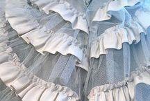 Crinolines et corsets