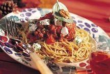 Verrukkelijk Italiaans / Italië is een culinair walhalla voor velen. De pure, eenvoudige keuken met de toch uitgesproken smaken nodigen uit tot kokkerellen en genieten. Geniet mee! Buon appetito!