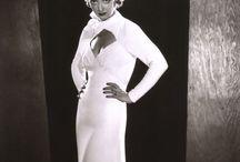 Fashion icons: Bette Davis, bias-cut dress / Voorbeelden van schuin geknipte jurken, die gedragen werden door Bette Davis. Madeleine Vionnet ontwierp veel van dit soort jurken.