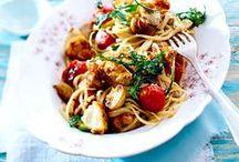 Pasta amore / Pasta e basta! Voller Liebe für Nudelgerichte aller Art erfreuen sich Nudel-Fans am Anblick dieser LECKER.de-Rezepte für Spaghetti, Lasagne, Tortellini & Co.