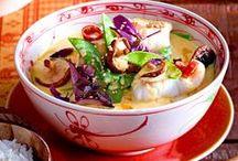 Lecker um die Welt / Internationale Küche vom Feinsten: Mit diesen Rezepten aus aller Welt kochen Sie sich lecker und vielfältig einmal um den Erdball.