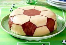 Fußball-Party / Von Abseits-Farfalle bis Schiri-Griller: die besten Rezepte und Dekoideen für ein gelungenes Fan-Fest zuhause!