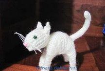 Mis Gatos Amigurumi / Tejidos al crochet y a dos agujas, preciosos todos mis gatos amigurumis, y muy cariñosos!!!