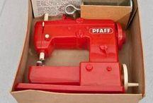 Sewing machine. Pfaff. Riccar.