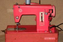 Sewing machine. Kenmore.