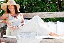 Nos vêtements femme / Our womenswear / Commerce équitable, pour les vacances ou la maison, tuniques abordables et responsables à porter en toute simplicité