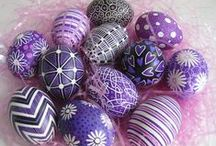 Easter Egg Decorating Ideas / Easter is a great time for fun crafts like Easter egg decorating, but there's more to Easter egg decorating than just dipping an egg in dye. Check out these great, unconventional decorating ideas.  / by Wayfair Homemakers