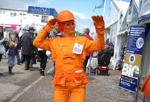 Orange Builder - living statue / Our new living statue charmed and amused the local trades industry bringing fun and frolics.