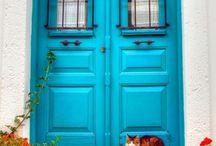 Türen grün blau