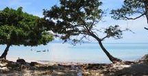Langkawi | Strände / Pulau Langkawi bietet dir wunderschöne lange, weiße Sandstrände mit glasklarem Wasser aber auch einsame Buchten, wo du den Sonnengang mit Kindern oder als Paar genießen kannst. Die von Palmen umgebenen Traumstrände, sind die perfekte Location für ein Fotoshooting! Lass dich von Tipps für Malaysias wunderschönen Insel inspirieren und entdecke Secret Spots!