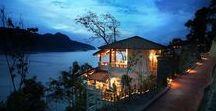Langkawi | Hotels & Unterkünfte / Where to stay? Auf Pulau Langkawi gibt es wirklich tolle Möglichkeiten für jedes Budget: Lass dich verwöhnen im Luxusresort mit Spa und Pool oder nimm dir ein Hotel direkt am Strand. Finde hier Ideen für Hotels, Hostels, Airbnb auf Malysias größter Insel.