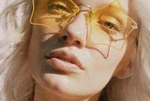 femme à lunettes, ...