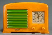 Vintage Radios luv hand crafted wood and colorful Catalin radios / by Myrna