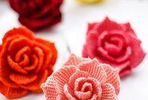 Small crochet stuff / Small crocheted things for table decoration, food decoration or just for fun! Kleine gehäkelte Dinge, perfekt als Tischdeko oder Deko allgemein