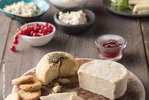 """Vegan basics / From """"milk"""" to """"cheese"""" , """"cream"""" and """"meat"""" you can find here all the best vegan alternatives for food. Here are my best vegan basics! Diese veganen Basics werden dich vergessen lassen, worauf du verzichtest, weil sie einfach zu lecker sind! Von Milch über Käse bis zu Wurst ist alles dabei!"""