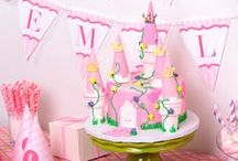 Princess Party / All the best bits from the #princess-themed issue of our party tips & ideas magazine! Free #printables #recipes #decorations #partytags #partytips