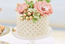Cupcakes & Cakes / Detailverliebte Hochzeitstorten. Zuckersüße Cupcakes.