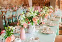 Tablescape - Tischdekoration / Besondere Tischdekoration für detailverliebte Hochzeitspaare und Gäste, die es zu schätzen wissen.