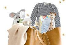 Dans tous les sacs à langer... / Le contenu des sacs à langer des parents du monde entier
