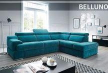 Sofa BELLUNO / #Belluno - model ten jest idealną propozycją dla dużych, rodzinnych salonów, wokół których skupia się codzienne życie domowników. Ten funkcjonalny model modułowy oferuje system rozkładania siedzisk za pomocą elektrycznych sensorów.  Mebel posiada również wielofunkcyjny barek wyposażony w system audio oraz ruchomą pufę. Dzięki funkcji spania z łatwością przenocujecie swoich gości, a ruchomy blat pozwoli w trakcie dnia korzystać z laptopa i komfortowo pracować w domu.