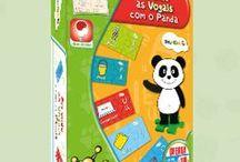Canal Panda / O Canal Panda é um canal temático educativo, com programação exclusivamente dedicada às crianças portuguesas. A Science4you desenvolveu, em parceria com o Canal Panda, esta linha de brinquedos que visa contribuir para o desenvolvimento do conhecimento das crianças, através de livros de colorir e jogos educativos!