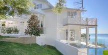 Australian Hamptons Homes / Home designs that make you feel luxurious and serene. These Australian Hampton homes bring the Hampton's modern classic vibe to Australian design.
