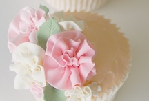 Cupcake Love / Inspiring and beautiful cupcakes / by Sweetopia ~ Marian Poirier