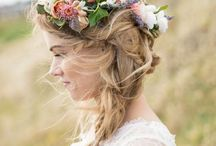 Flower Crowns / A collection of pretty flower crown inspiration, ideas and tutorials.