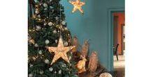 Idées de sapin de Noël / Mon beau sapin, roi des forêts ! Qu'on le préfère minimaliste, coloré, design ou traditionnel, que serait Noël sans un magnifique sapin?  La décoration du sapin est un moment très particulier, qui va définir l'ambiance de votre maison pour cette période.  Egalement un moment de partage, nous aimons le réaliser en famille. Découvrez dans ce tableau,des idées originales de sapin.