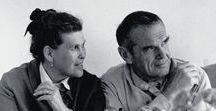 Charles Ve Ray Eames Tasarımları / Sanırım tasarım ve dekorasyon konularına biraz ilginiz varsa Charles ve Ray Eames'in adını zaten duymuşsunuzdur. Peki dekorasyon sitelerinde ve dergilerde, 1950 ve 60'lı yıllarda tasarlanmalarına rağmen neredeyse hala her gün boy gösteren o harika mobilyaların hangileri onlara ait biliyor musunuz?