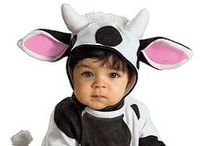 Infant Costumes & Babies Costumes / What could be more adorable than a gorgeous baby in a Halloween costume. Baby Halloween costumes definitely bring out the smile in every baby and most especially those around them.  Whether your looking to see your baby as a fuzzy bunny, a pumpkin, a superheroes or your favorite show, we probably ahve it. So visit us at Oyacostumes.ca for your Halloween needs in Canada and let us help you add fun to your Halloween.