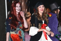 Celebrities in Costumes... / Want to dress up as your favourite celebrity? Be it lady gaga or snooki we have it all! check out some of the celebrities in costumes