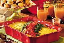 Christmas Breakfast Recipe Ideas / The ULTIMATE Christmas Breakfast Recipe Idea Board! Celebrate the magic of Christmas morning with these delicious Christmas Breakfast Recipes. We hope these delicious breakfast ideas help create the most special Christmas ever for you and your family!