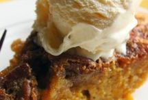 Thanksgiving Pies, Cakes & Desserts / Complete your perfect Thanksgiving menu with the very BEST Thanksgiving pies, cakes & dessert recipes! Our collection of Thanksgiving treats is brimming over with lovely and delicious Thanksgiving recipe ideas! Happy Thanksgiving!