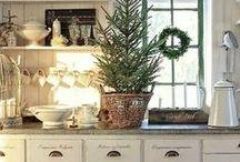 intérieurs et décorations au naturel / Des décorations dans des nuances de beige , de blanc, de gris  de marron , du végétal aussi .