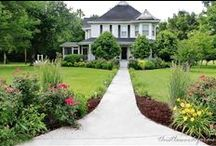 Garden Ideas - Front yard / Ideas to landscape the front yard - gardens, lawns, foundation plantings - add curb appeal and make your home feel welcoming to visitors.